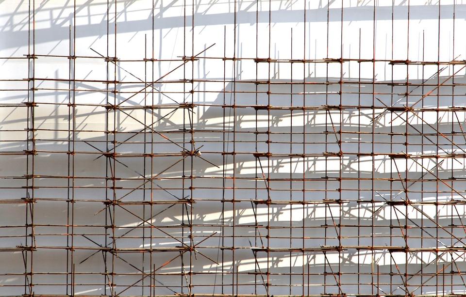 Lešení Praha pro rekonstrukce historických památek, kostelů a soch