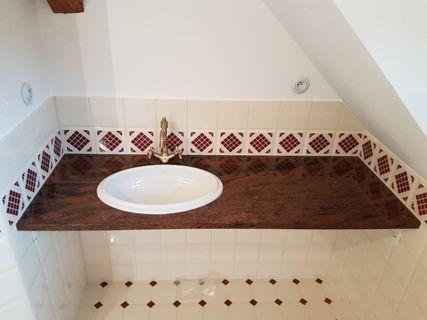 Kamenné koupelnové desky pod umyvadlo - výroba, montáž