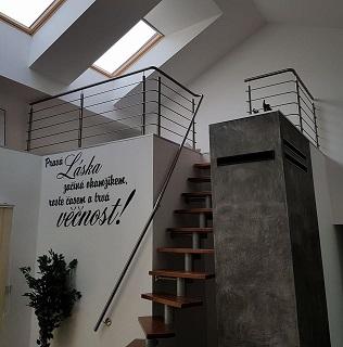 Výroba nerezového zábradlí do interiéru i exteriéru, žebříků a schodů na míru