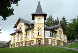 Ploché a šikmé střechy, výstavba a rekonstrukce, Olomouc