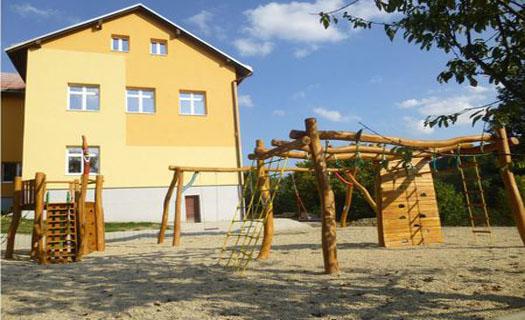 Základní škola rodinného typu, vzdělávání dětí do pátého ročníku, individuální přístup
