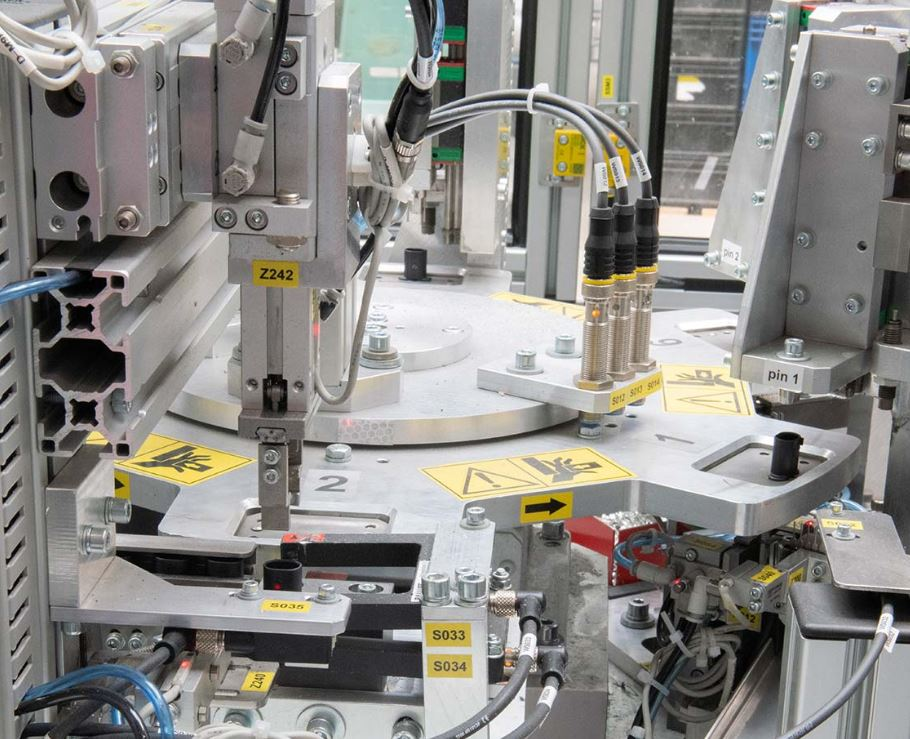 Precizní návrh, konstrukce a výroba vstřikovacích forem