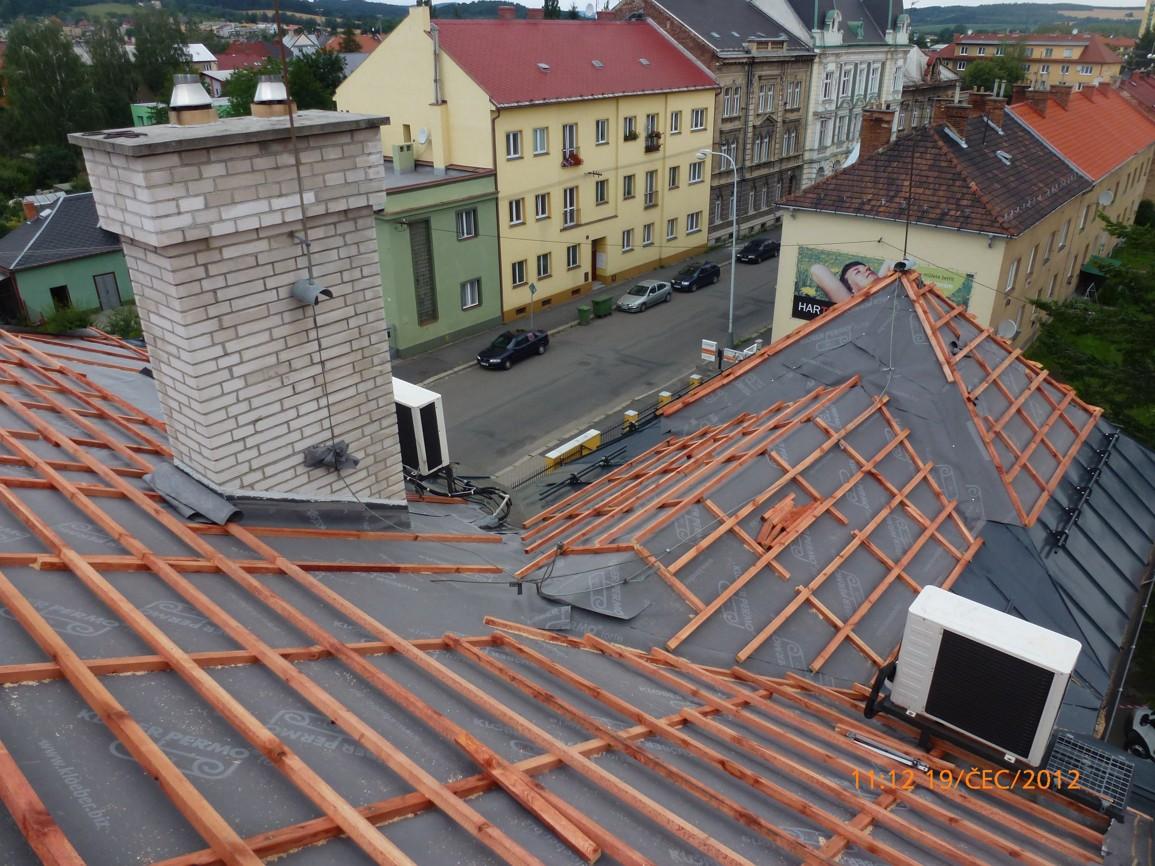 Revitalizace panelových domů, zateplování fasád půdních prostor a střech