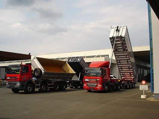 Přeprava sypkých materiálů, nákladní autodoprava Kolín, přeprava písek, zemina, kačírek, štěrk
