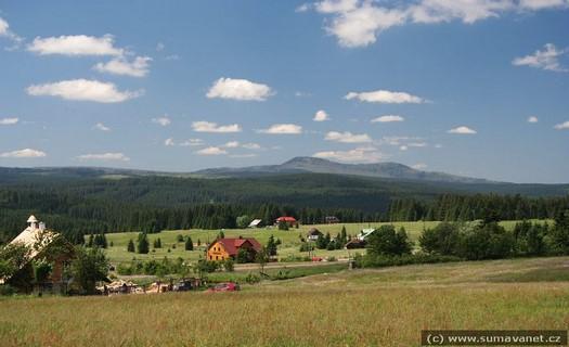 Vyhledávaná filmařská lokalita s dostatečnou ubytovací kapacitou, Obec Srní