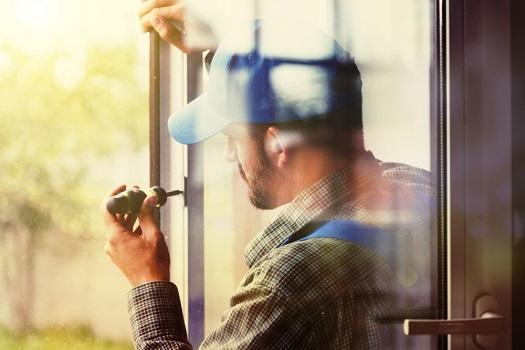 Plastová, hliníková okna a dveře - prvotřídní výrobky s vysokou úsporností