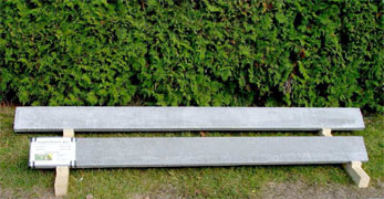 Plotové podhrabové desky, betonová dlažba, Klatovy