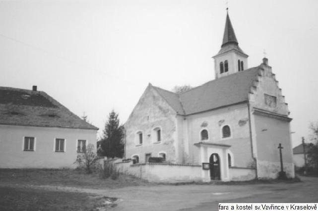 Fara a kostel sv. Vavrince obec Kraselov, okres Strakonice