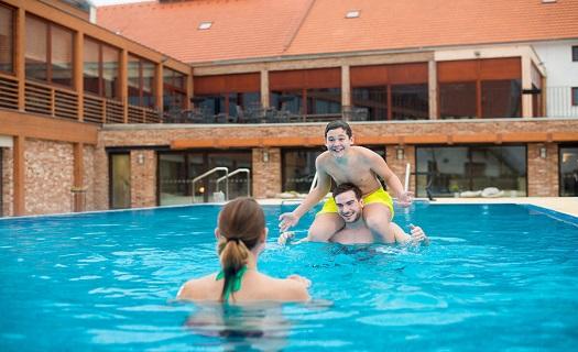 Pobytové balíčky ve wellness hotelu – pro dva, víkendové, rodinné, sportovně-relaxační