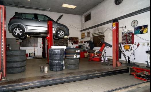 Autoservis, pneuservis, příprava vozů na STK, autoopravna Brno, generální prohlídky