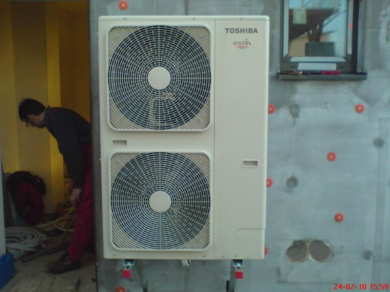 Dodávku a odborné poradenství při instalaci tepelných čerpadel Toshiba Estia Moravské Budějovice