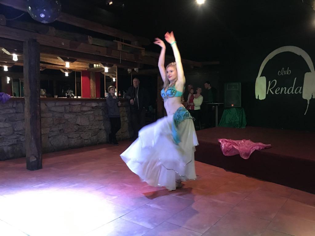 Taneční studio CARAVANA, Roudnice nad Labem, kurzy arabského flamenca pro začátečnice i pokročilé
