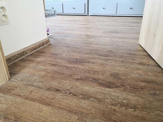 Odolné vinylové podlahy  - dodávka, prodej pro developery a velkooodběratele