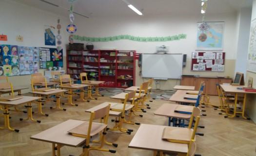 Základní škola Praha 1 se zaměřením na výuku cizích jazyků, česko-italský program pro cizince