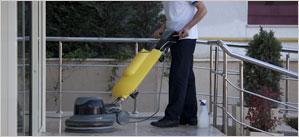 Kvalitní úklidový servis, jednorázové a pravidelné úklidy pro firmy i průmyslové objekty