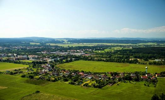 Obec České Velenice s česko-rakouským komunitním centrem FENIX i kulturním domem Beseda