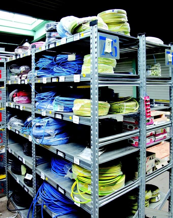 Regálové systémy do skladů a kanceláří, paletové i policové regály
