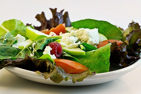 Výživový poradce pro lidi s nadváhou pomáhá se zdravým hubnutím při skupinové i individuální terapii