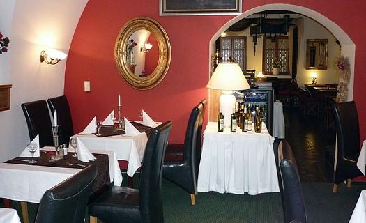 Hotel v centru města Klatovy se stylově zařízenou restaurací