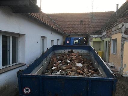 Přistavění kontejneru Znojmo, Moravské Budějovice