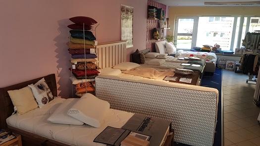 Kompletní vybavení ložnic - postele, matrace a rošty