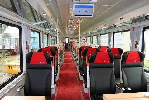 Návrh, výroba a dodávka sedadel pro železniční vagóny 1. a 2. třídy i regionální přepravu