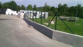 Pletivové ploty a branky, dláždění teras a parkovacího stání