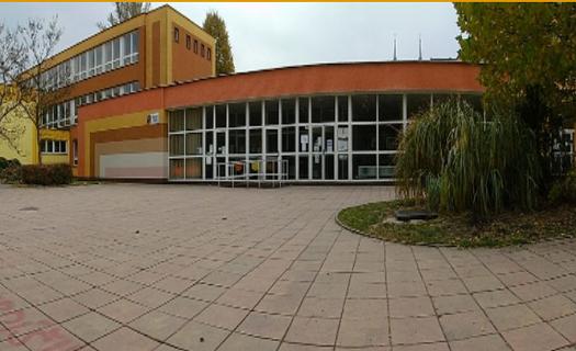 Základní devítiletá škola v Ostravě s rozšířenou výukou