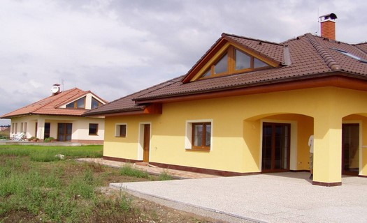 Výstavba a rekonstrukce rodinných domů i průmyslových hal, zemní i obkladačské práce