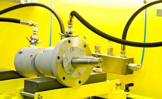 Hydraulické válce pro lisy, drtiče, stavební stroje a techniku