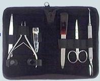 PÁKISTÁN; Výrobky pro kadeřníky, manikúru a pedikúru