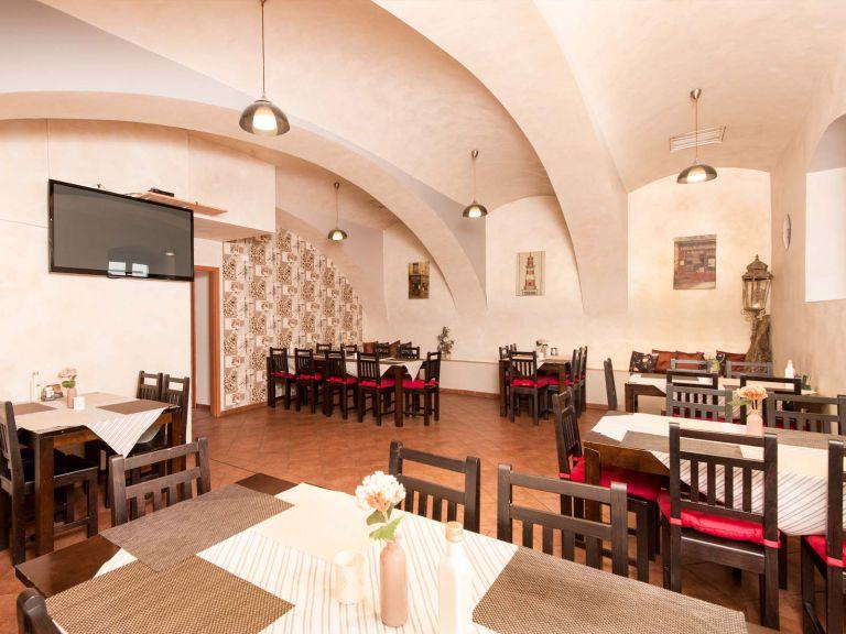 Hotel Pošta s.r.o. Sobotka, ubytování, restaurace a krásná příroda