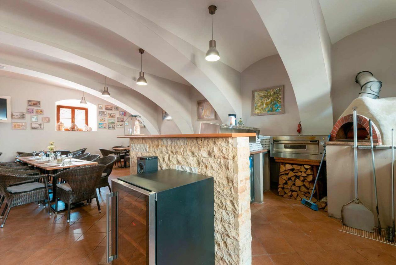 Hotel Pošta s.r.o. Sobotka, kavárna, pizzerie a prostory pro školení