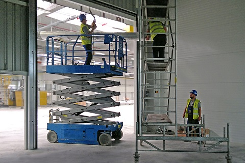 Servis pro vjezdové brány, vrata privátní i průmyslová - 7 dnů v týdnu, do 24 hodin