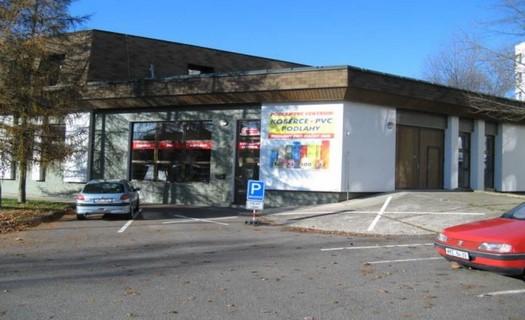Dřevěné i PVC podlahy, koberce, dodávka a prodej