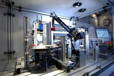 Autorizační celky, montážní pracoviště – vývoj a výroba