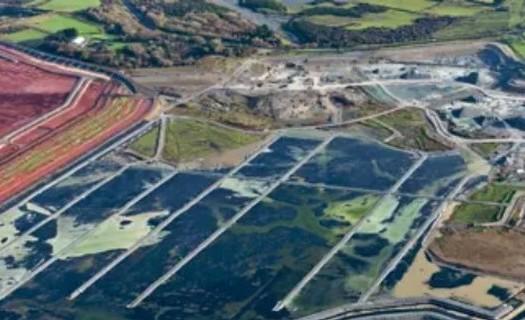 Hydroizolační fólie JUNIFOL s použitím na skládkách