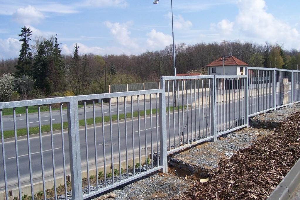 Meta Plzeň, s.r.o., výroba plotů kolem firmních areálů a RD