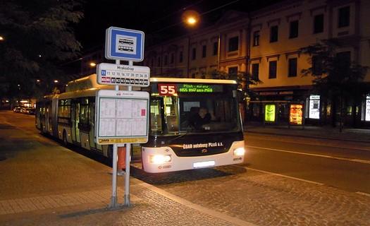 Moderní autobusy značek KAROSA, SOR a NEOPLAN