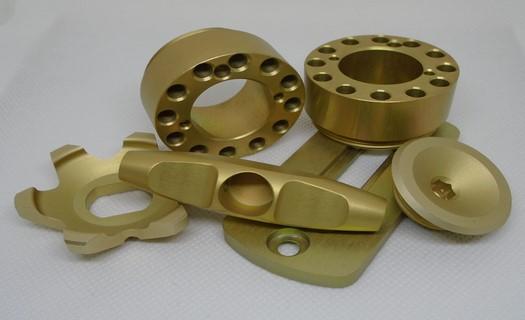 Povrchové úpravy kovů, eloxování, zinkování, cínování i chromátování hliníků a oceli