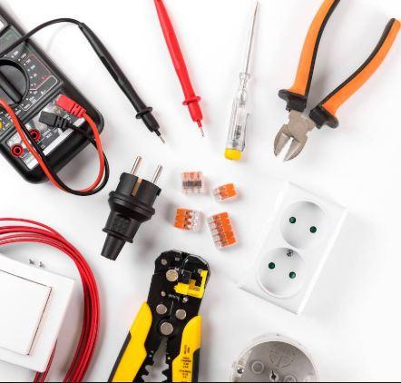 Domovní, bytové elektroinstalace silnoproud, slaboproud a zabezpečovací a počítačové systémy