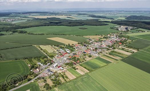 Obec Olbramice, vesnice s obecní knihovnou