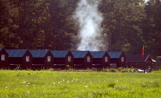 Ubytování v chatkách přírodního autocampu Borovinka