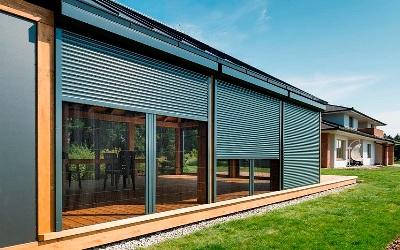 Venkovní rolety - kvalitní stínění oken vhodné do všech typů staveb