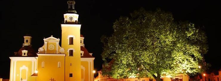 Město Vlachovo Březí, okres Prachatice, kostel, zámek, sochy a turistické trasy