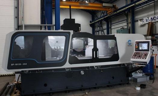Zajištění dovozu kvalitních obráběcích strojů ze zahraničí a poskytnutí servisu