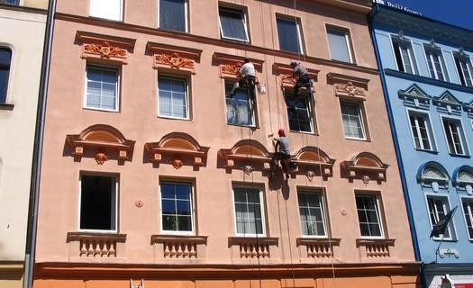 Výškové práce, ploché a šikmé střechy, mytí oken a fasád Ústí nad Labem