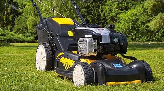 Velký výběr zahradních benzínových sekaček  CUB CADET, které se přizpůsobí rychlosti Vaší chůze