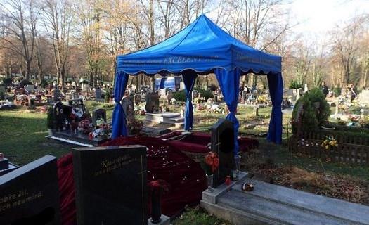 Pohřební ústav Excelent Cheb, církevní obřady, kremace, rozptyl na loučce, převozy zesnulých