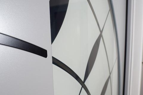 Presklenie vchodových dverí - bezpečnostné, tepelno-izolačné, číre a dekoratívne